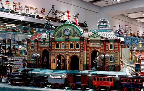 Самая полная коллекция игрушек в мире — это «Jerni Collection» (35 тыс. экземпляров)