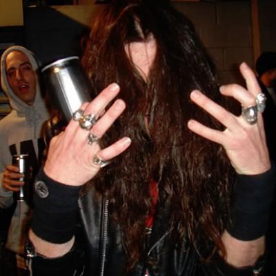 Швед Роджер Туллгрен получает пособие по инвалидности за своё пристрастие к хэви-металу