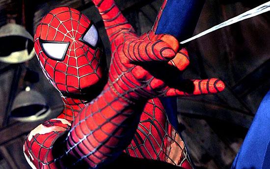 На съемках фильма «Человек-паук» было украдено 4 костюма главного героя стоимостью $50 тыс. каждый