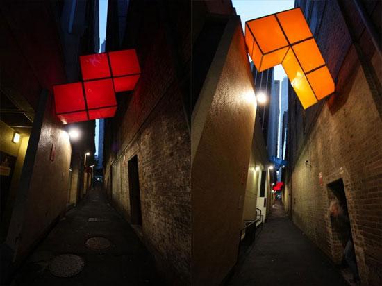 В Сиднее «падают с неба» гигантские фигурки «Тетриса»