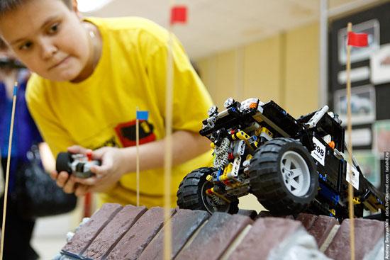 Компания Lego является самым крупным производителем шин в мире