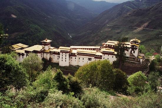 В Бутане можно курить только при наличии чека, подтверждающего, что сигареты куплены в другой стране