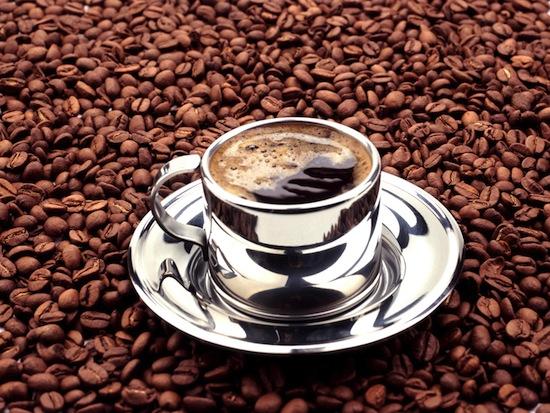 По сути, кофеин — это яд