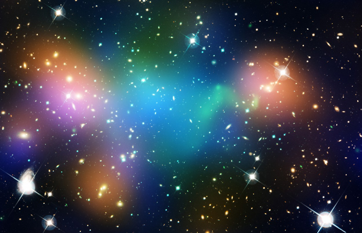dark matter and dark energy Many people think that both dark matter and dark energy are the same things but this is not the case at all there are many differences between these two astronomers know what the meaning of darkness is, but no satisfactory information has been received so far about what mater is.