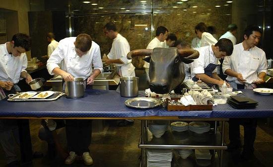В элитном ресторане «El Bulli» конкурс посетителей составляет 250 человек на место