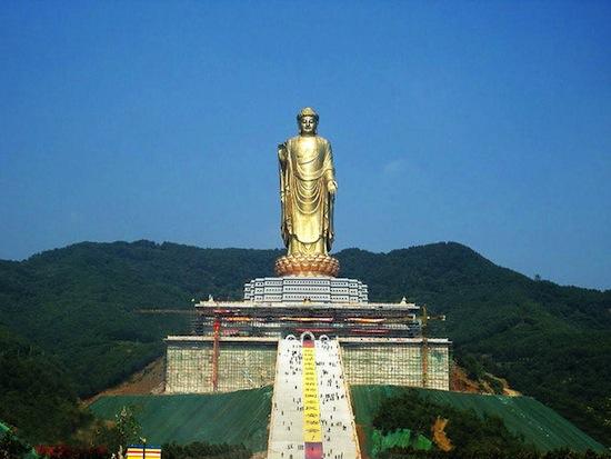 Будда Весеннего Храма — это самая высокая статуя в мире