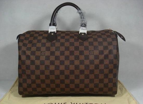 Louis Vuitton сжигает все свои не проданные сумки