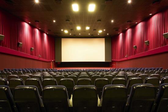Анонс фильма называется трейлером потому, что изначально анонсы показывали после фильмов