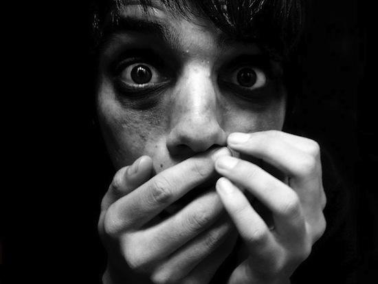 Страх можно вызвать даже у людей, чей мозг лишён способности его испытывать