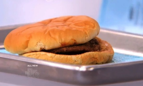 Настоящая причина, по которой гамбургеры из Макдоналдса не гниют годами