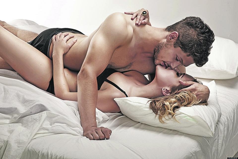 Женщины вдвое реже мужчин получают оргазм во время случайного секса
