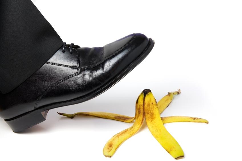 В старейшей шутке с банановой кожурой есть скрытый неприличный смысл
