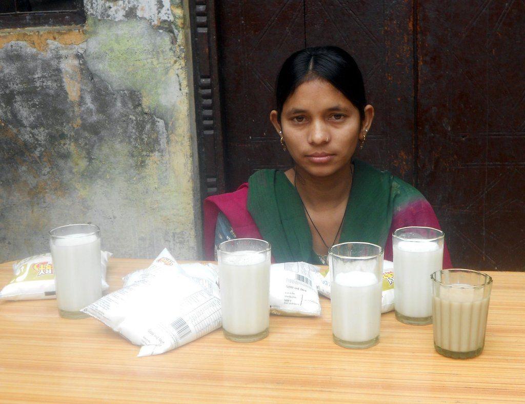 Манджу Дхарра с рождения не ест твёрдую пищу, она питается молоком, чаем и водой