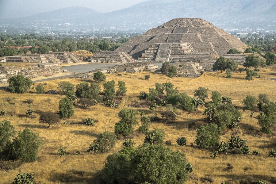 Древние ацтеки мылись дважды в день и использовали духи из цветов