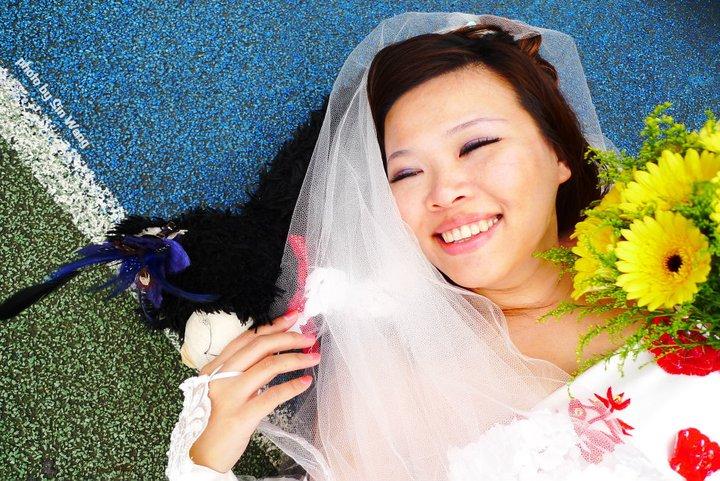 Тайваньская женщина вышла замуж за себя
