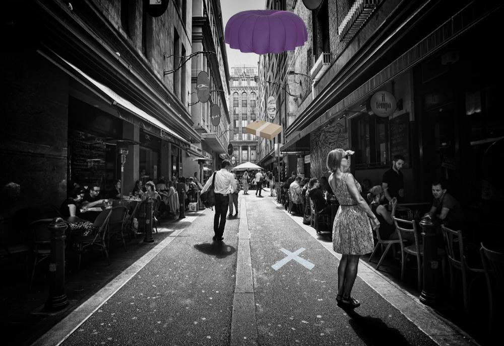 Ресторанчик «Jafflechutes» доставляет клиентам бутерброды, бросая их с неба
