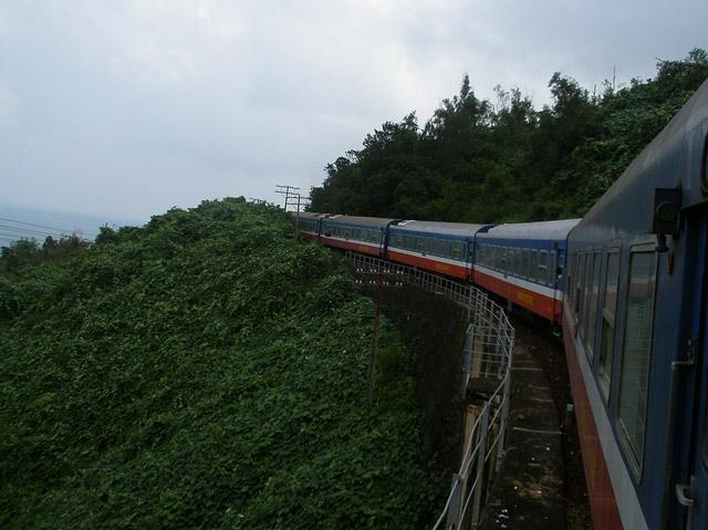 Самый долгий прямой железнодорожный маршрут в мире составляет 17 000 км и проходит через Москву