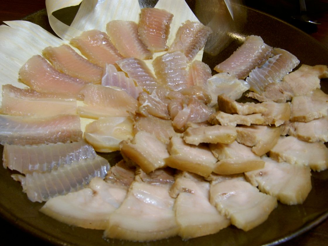 Самая популярная корейская ферментированная рыба пахнет как общественный туалет