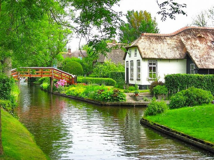 Загляните в «Голландскую Венецию» — волшебный уголок, очень похожий на рай