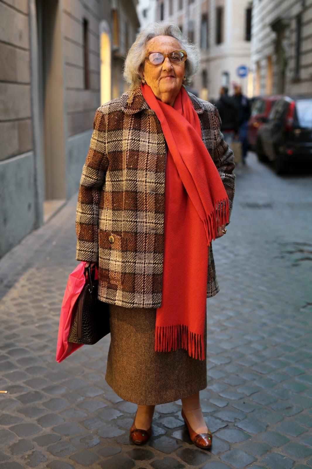 те, кто как одеты пенсионерки европы зимой фото удлиняют ноги, увеличивают