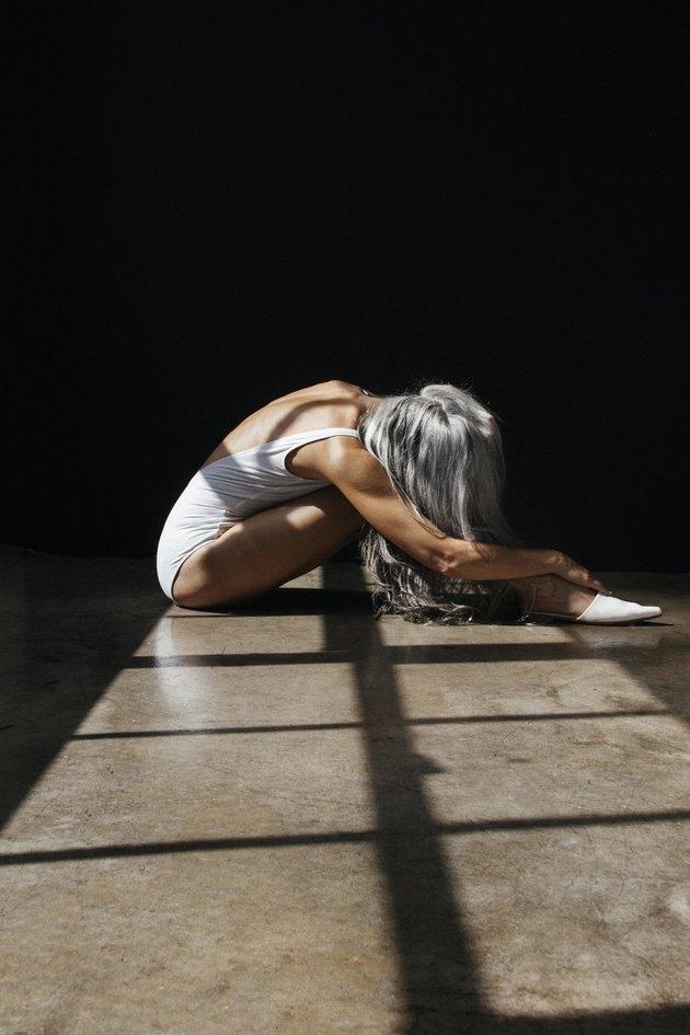 Невероятная 60 летняя модель Ясмина Росси в рекламе купальников