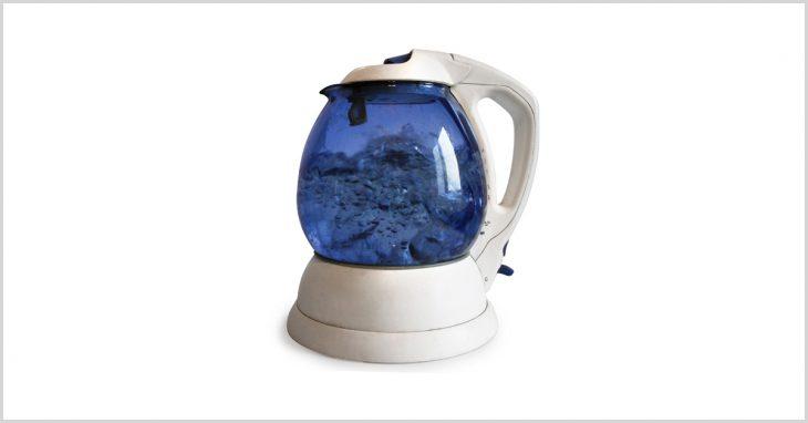 Как то сломался унас чайник ипапа взялся его починить