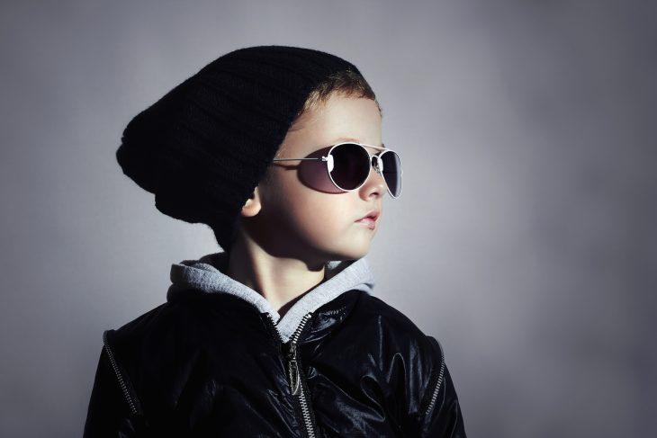 Ваш сын постоянно теряет шапки? Одна мама схорошим чувством юмора нашла идеальное решение этой проблемы!