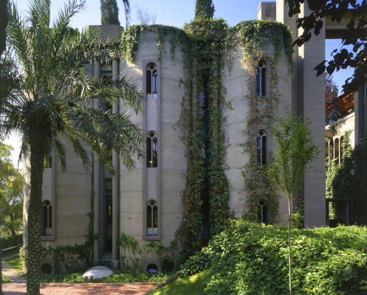 Этот заброшенный бетонный завод архитектор переделал вжилой дом. Получилось невероятно круто!