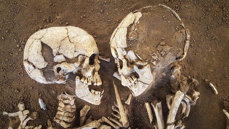 «Влюбленные изВальдаро» держали друг друга вобъятьях 6000 лет