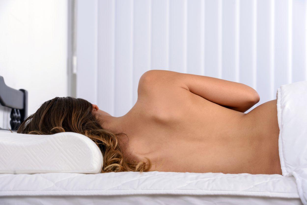 7важных фактов опользе сна нагишом
