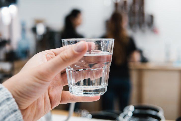 9 потрясающих вещей, которые произойдут свами, если вызамените все напитки водой