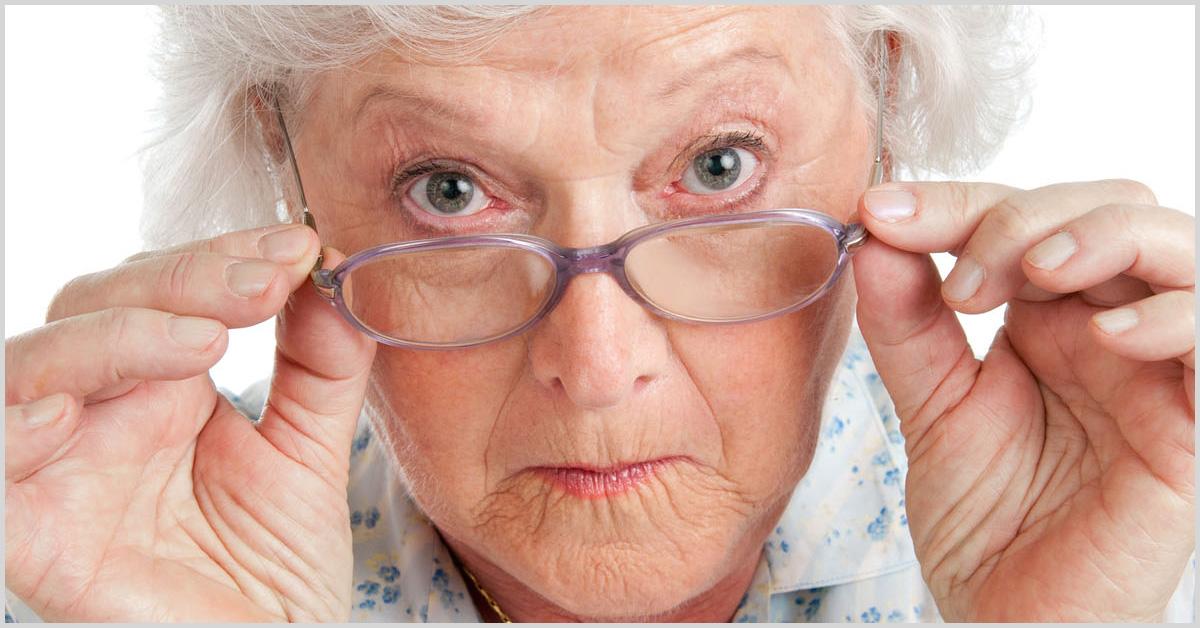 История про ворчливую старушку, кассиршу илишние трусы