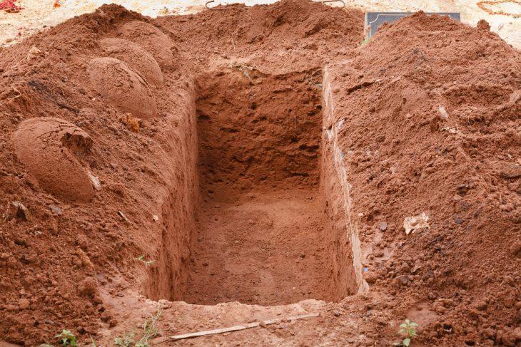Как могильщики сгаишниками договаривались