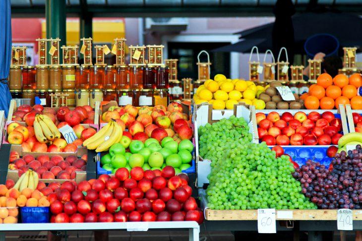 Сибирский парень приехал на юг, заглянул на фруктовый рынок и просто обалдел