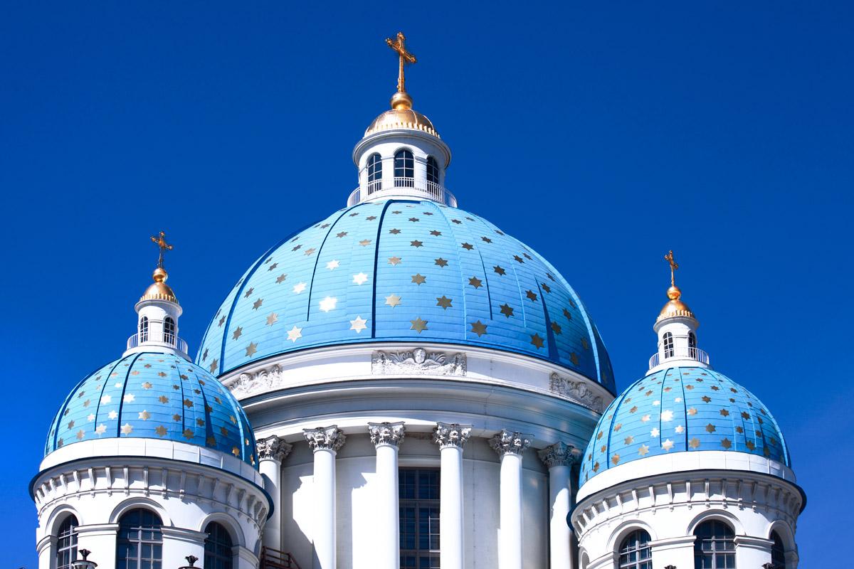 Голубые купола Троице-Измайловского собора