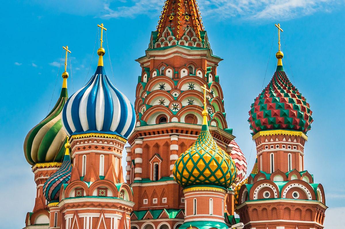 Разноцветные купола храма Василия Блаженного