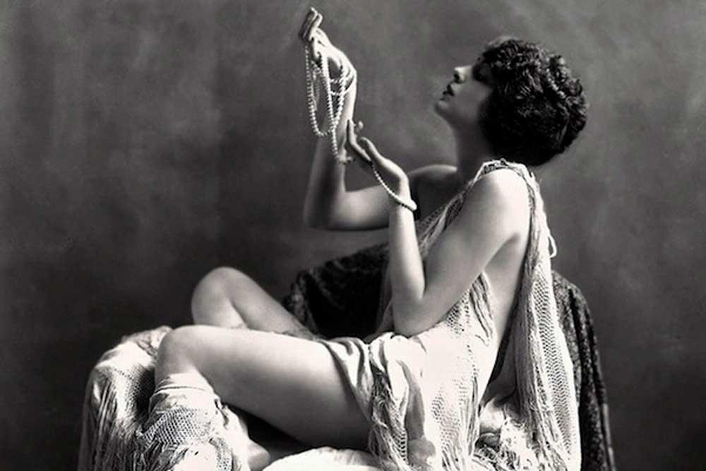 Проститутки 16 века проститутка тюмень