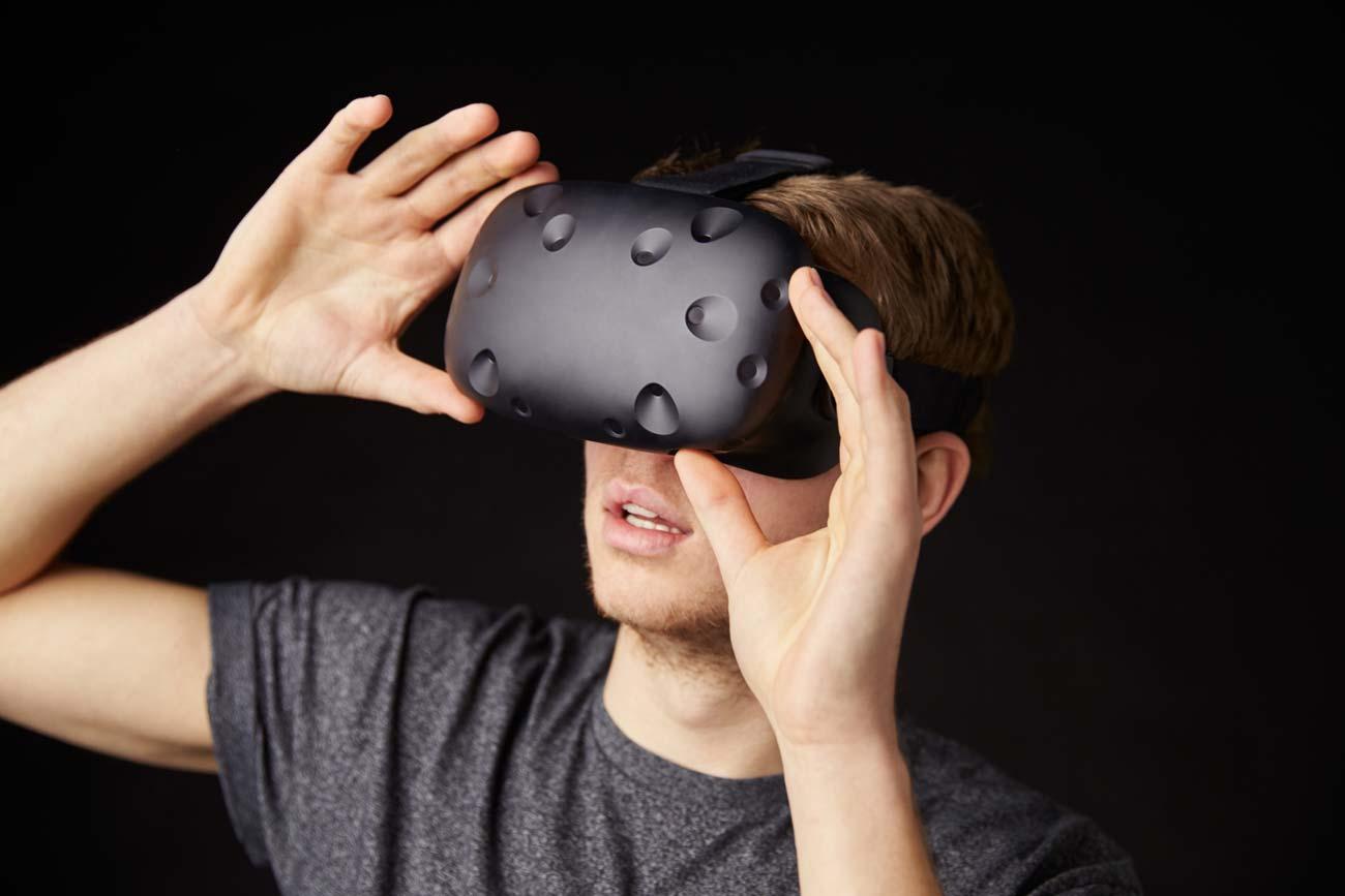 Продавец виртуальных вещей