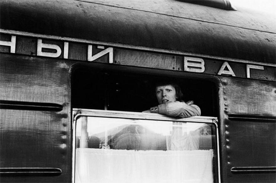 Дэвид Боуи в российском поезде