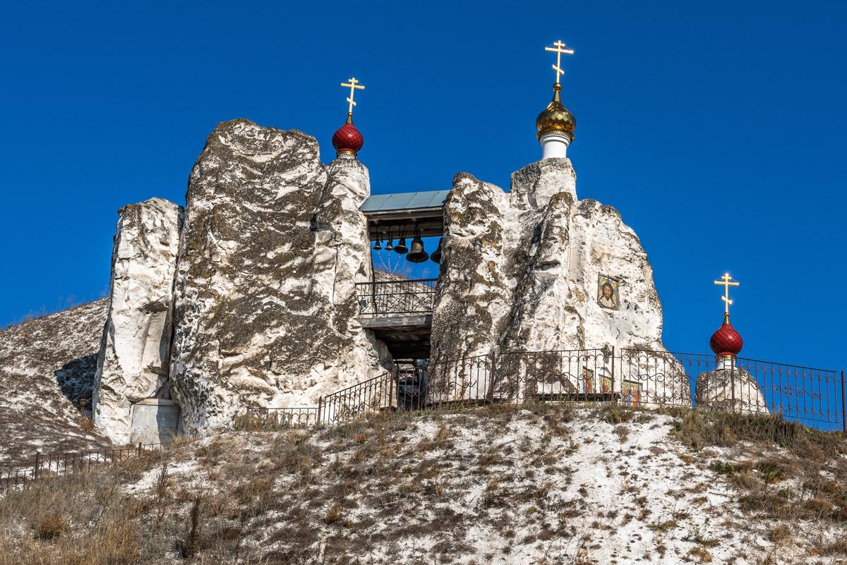 Свято-Спасский женский монастырь в Костомарово