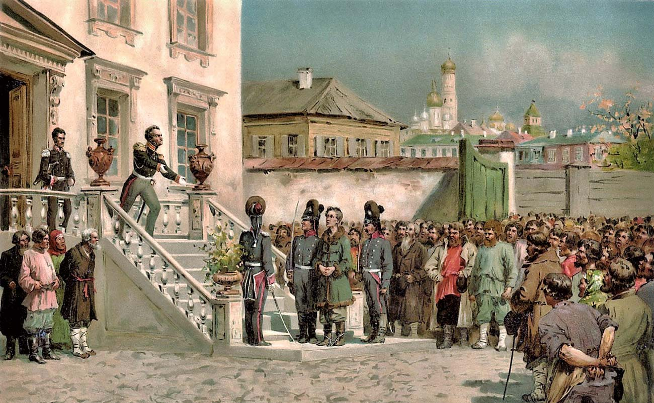 Граф Ростопчин выступает перед собравшимися, обвиняя Верещагина