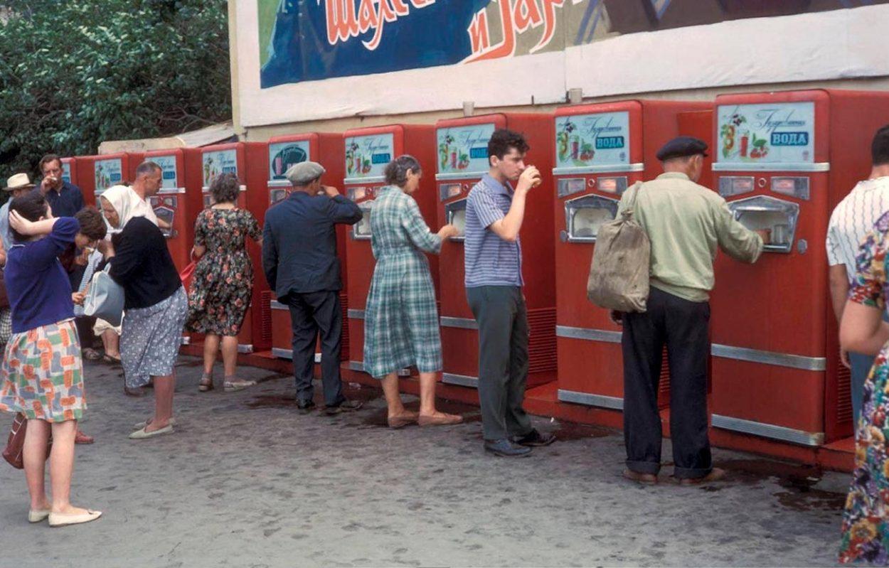 Автоматы по продаже газировки с сиропом