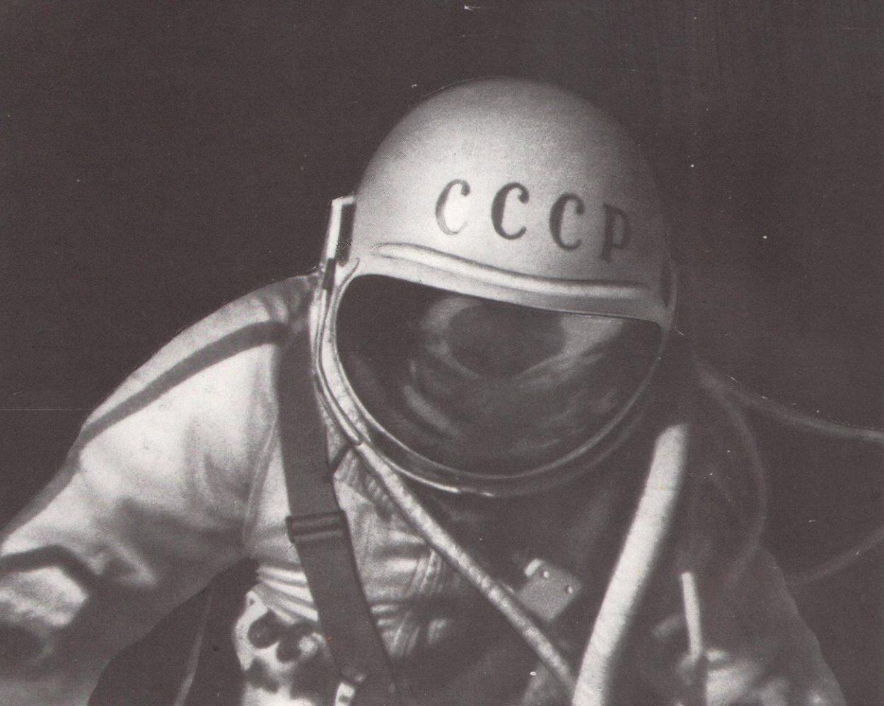 Какой фильм по традиции смотрят космонавты?
