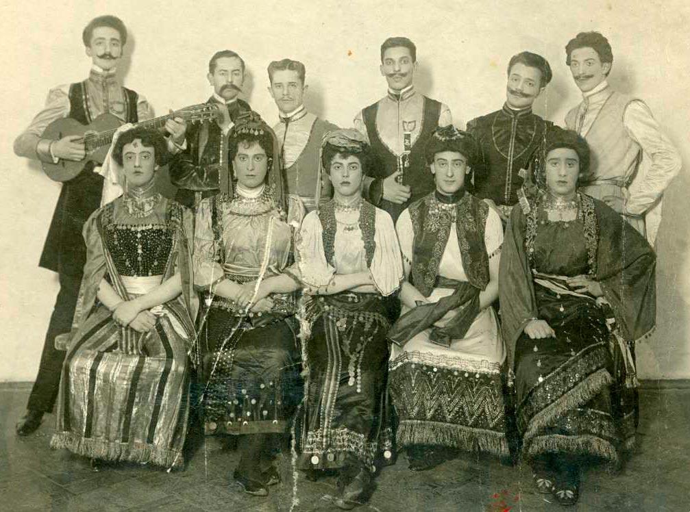 Первые травести-артисты Петрограда