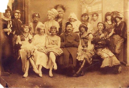 Участники мужской свадьбы