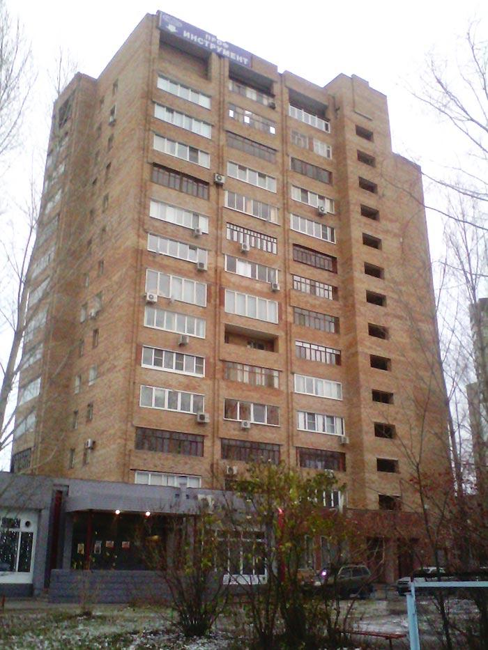 Кирпичная 14-этажная «брежневка»