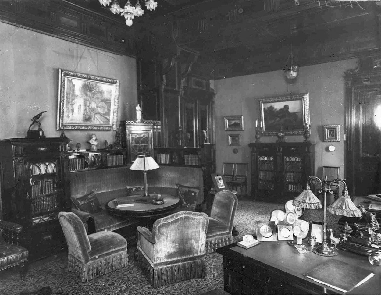 Интерьер курительной комнаты XX века