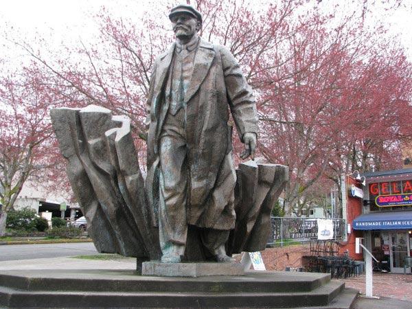 Памятник Ленину в Сиэтле (США)