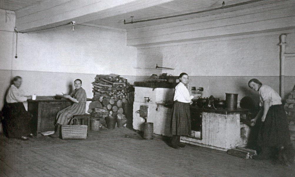 Какими были удобства впетербургских квартирах сто лет назад