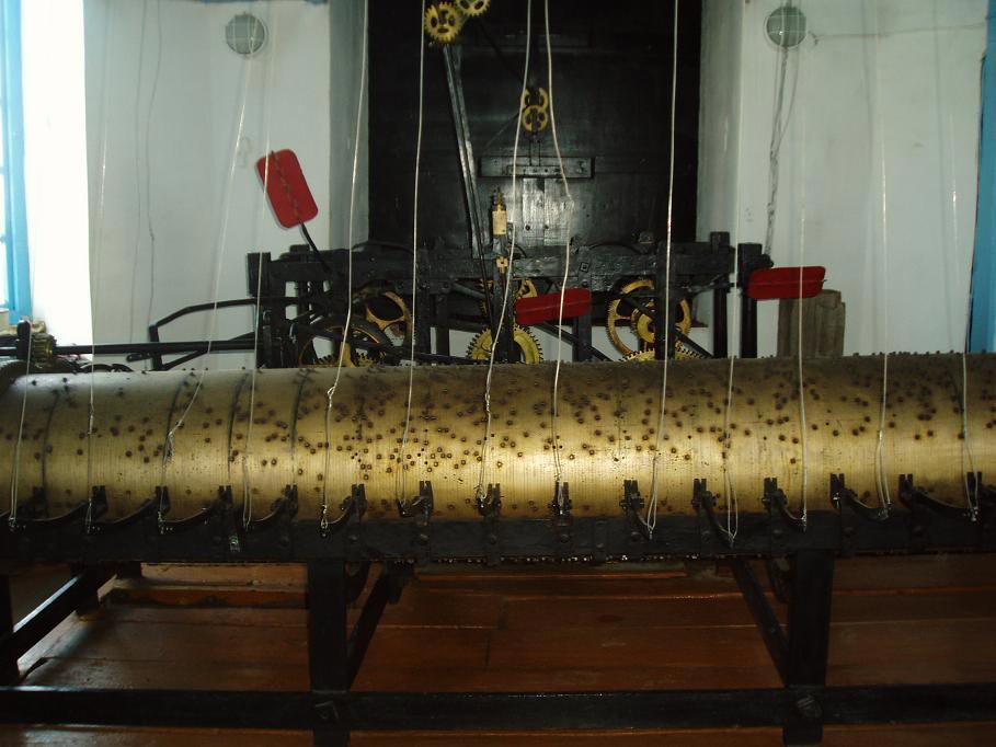 Музыкальный механизм часов на Невьянкой башне